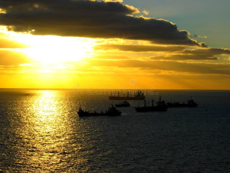 Download αναμονή στοκ εικόνα. εικόνα από λιμάνι, πέντε, ήλιος, ευρώπη - 95467