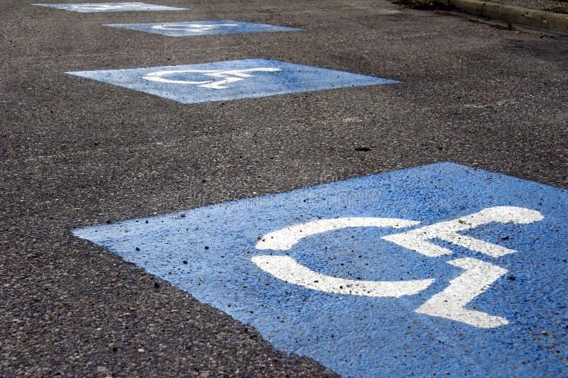 Download αναπηρική καρέκλα σημαδιώ&nu Στοκ Εικόνες - εικόνα από σύμβολο, μέτωπο: 1547104