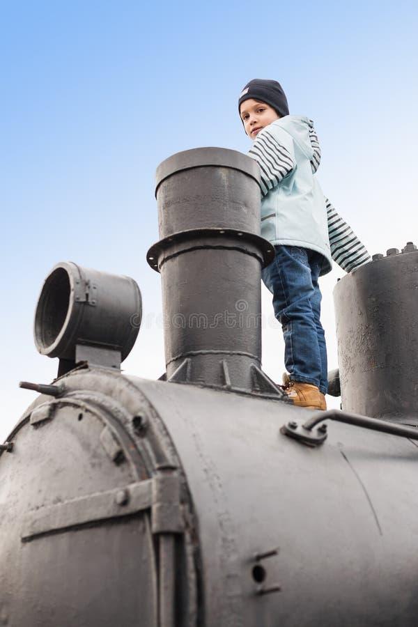 Αναρριχημένος επάνω στην ατμομηχανή στοκ φωτογραφίες