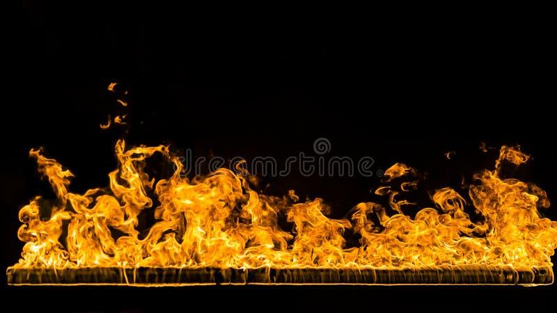 ανασκόπησης πυρκαγιά που απομονώνεται μαύρη στοκ φωτογραφία
