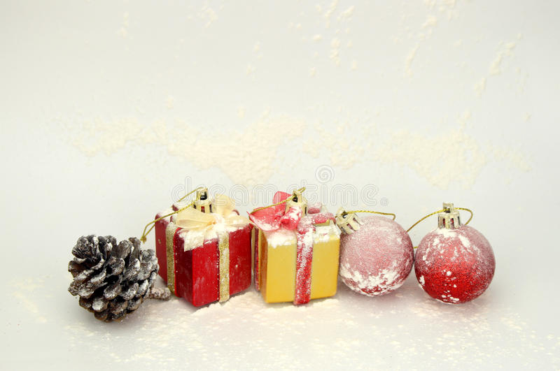 Download Ανασκόπηση με τη διακόσμηση Χριστουγέννων Στοκ Εικόνες - εικόνα από χρυσός, οικογένεια: 62713056