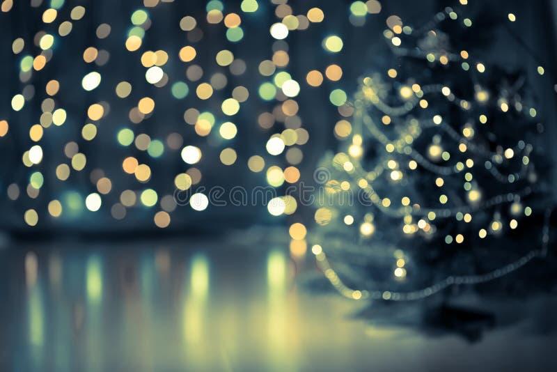 Ανασκόπηση χριστουγεννιάτικων δέντρων bokeh στοκ εικόνα