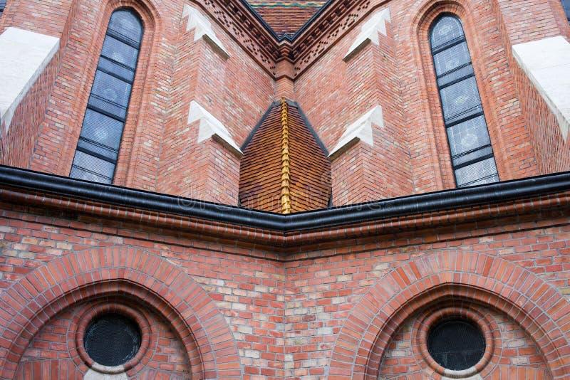 Ανασχηματισμένες Buda αρχιτεκτονικές λεπτομέρειες εκκλησιών στοκ εικόνες