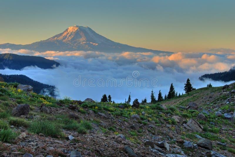 ανατολή ΑΜ σύννεφων Adam στοκ φωτογραφία με δικαίωμα ελεύθερης χρήσης