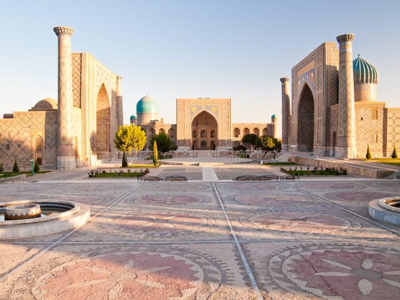 Ανατολή επάνω από Registan στοκ εικόνες