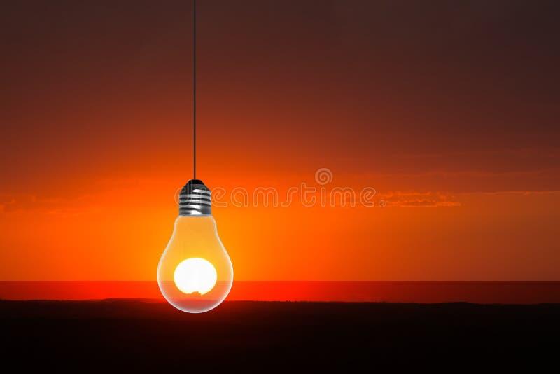 Ανατολή, ηλιοβασίλεμα, ελαφρύ Bult, Lightbulb στοκ εικόνες