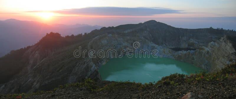 ανατολή λιμνών κρατήρων στοκ φωτογραφία