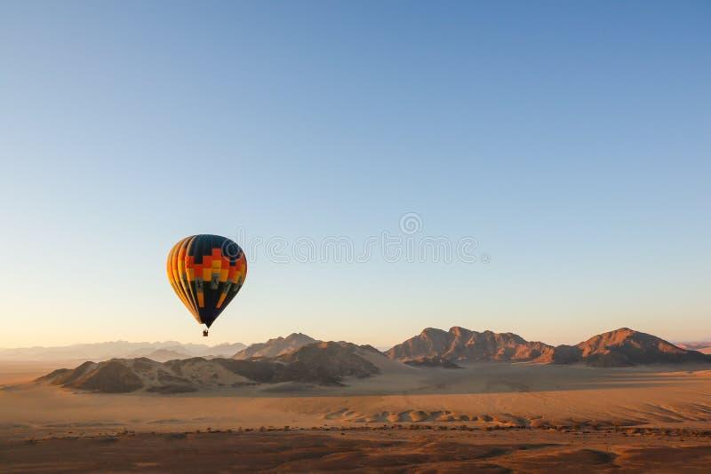 Ανατολή μπαλονιών ζεστού αέρα στοκ εικόνα με δικαίωμα ελεύθερης χρήσης