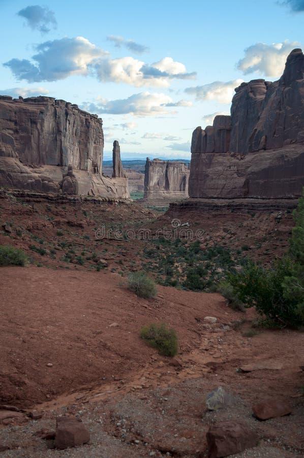 Ανατολή ξημερωμάτων στο κόκκινο φαράγγι βράχου στοκ φωτογραφία με δικαίωμα ελεύθερης χρήσης
