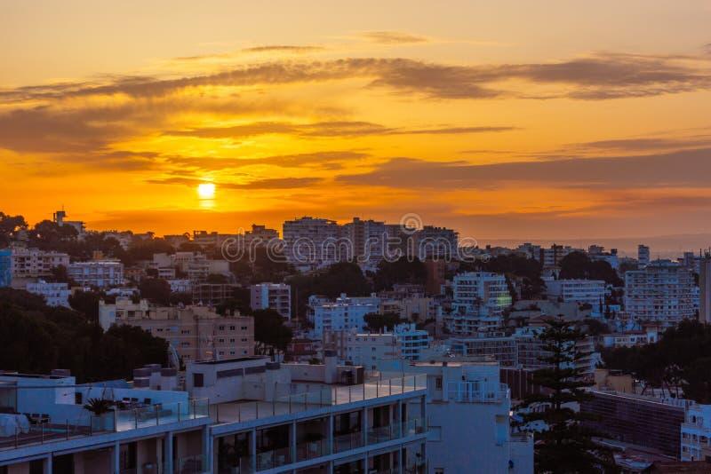 Ανατολή πέρα από τη Πάλμα ντε Μαγιόρκα στοκ φωτογραφίες με δικαίωμα ελεύθερης χρήσης