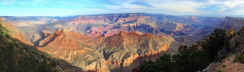 Ανατολή πέρα από το μεγάλο φαράγγι κοντά στην άποψη ερήμων, Αριζόνα, πανόραμα στοκ εικόνες