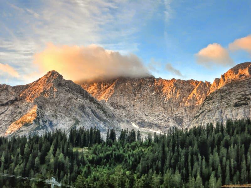 Ανατολή στις αυστριακές Άλπεις στοκ εικόνες