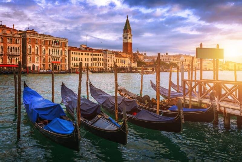 Ανατολή στο τετράγωνο SAN Marco, Βενετία, Ιταλία κανάλι μεγάλη Βενετία στοκ φωτογραφία με δικαίωμα ελεύθερης χρήσης