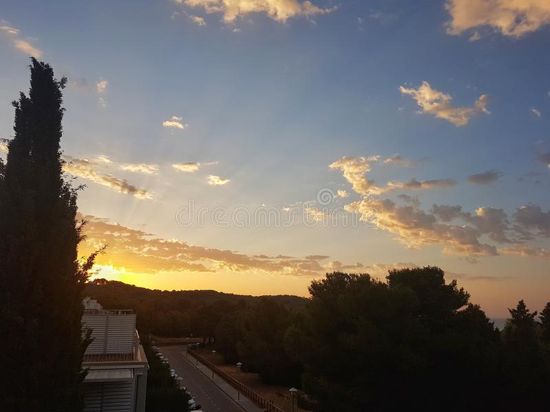 Ανατολή στο vilanova, Ισπανία στοκ εικόνα με δικαίωμα ελεύθερης χρήσης