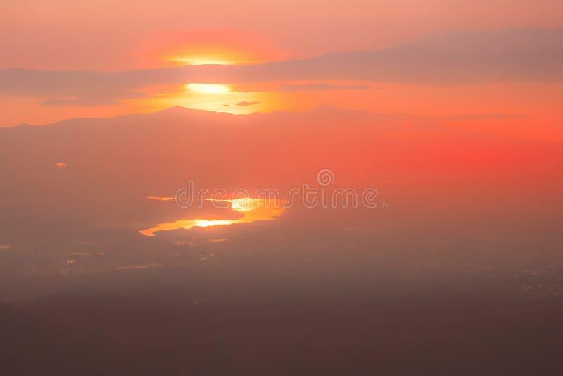 Ανατολή του ηλίου, ανατολή του ήλιου πάνω από τη θάλασσα, Αθήνα, Ελλάδα στοκ εικόνες με δικαίωμα ελεύθερης χρήσης