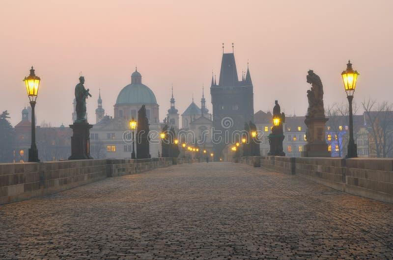 ανατολή Charles Πράγα γεφυρών στοκ εικόνα