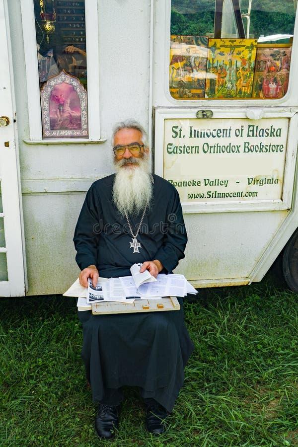 Ανατολικός ορθόδοξος ιερέας στοκ φωτογραφίες