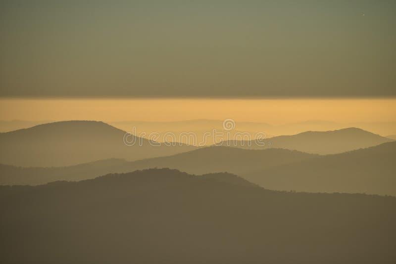 Ανατολή βουνών Buffalo ΑΜ στοκ εικόνα