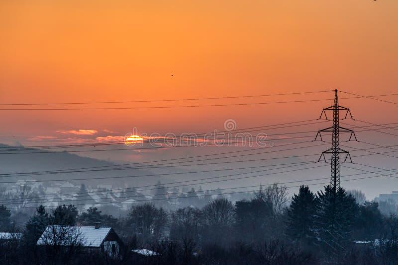 Ανατολή ξημερωμάτων πέρα από τη μικρή περιοχή πόλης Μπρατισλάβα στοκ εικόνες με δικαίωμα ελεύθερης χρήσης