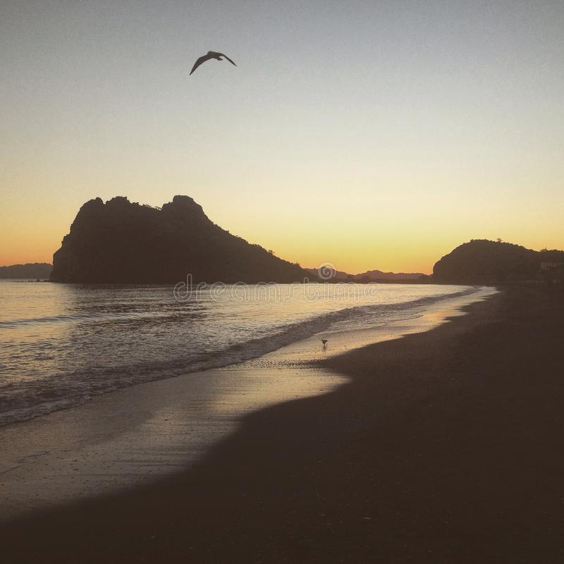 Ανατολή στον κόλπο Loreto στοκ εικόνα