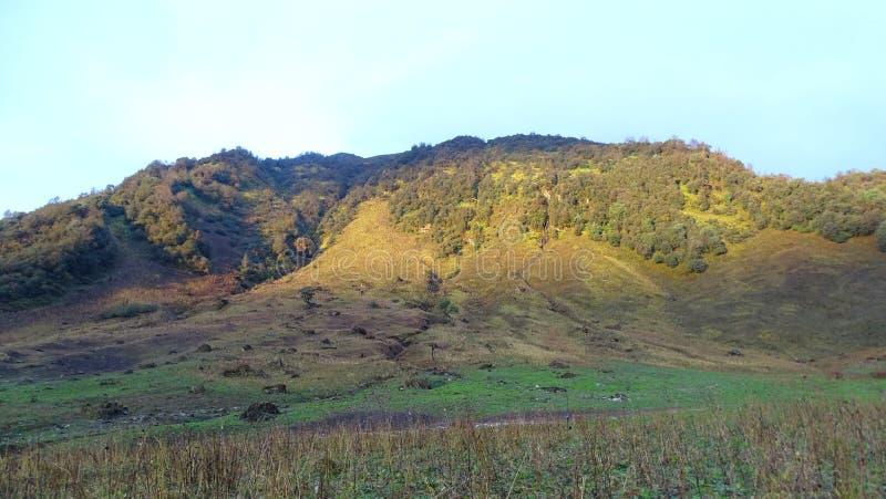 Ανατολή στο βουνό στοκ εικόνες