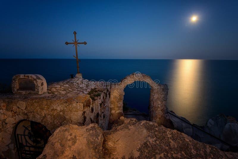 Ανατολή του φεγγαριού στο ακρωτήριο Kaliakra, Μαύρη Θάλασσα, Βουλγαρία στοκ εικόνες με δικαίωμα ελεύθερης χρήσης