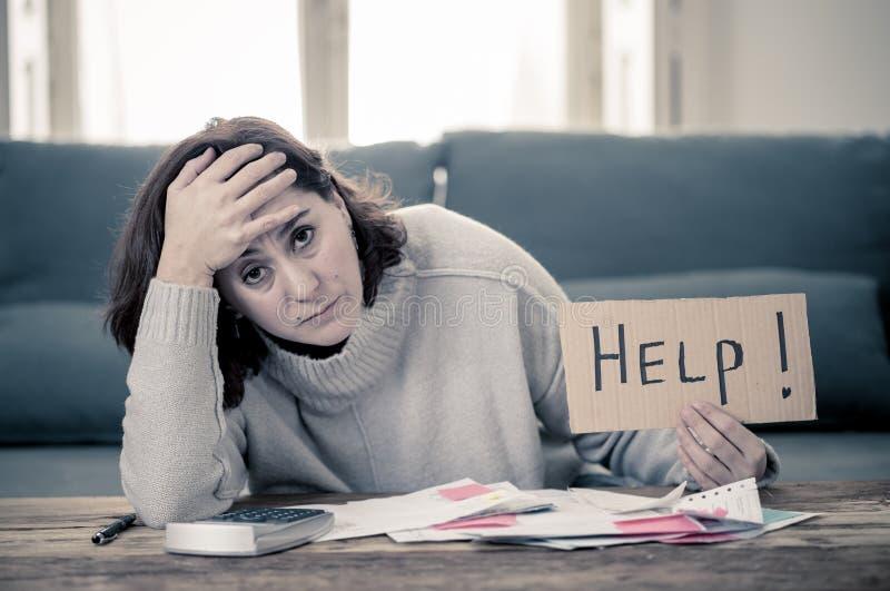 Ανατρέψτε τη νέα ζήτηση γυναικών τη βοήθεια στην πληρωμή των προβλημάτων χρηματοδότησης σπιτιών ή επιχειρήσεων υποθηκών λογαριασμ στοκ εικόνες