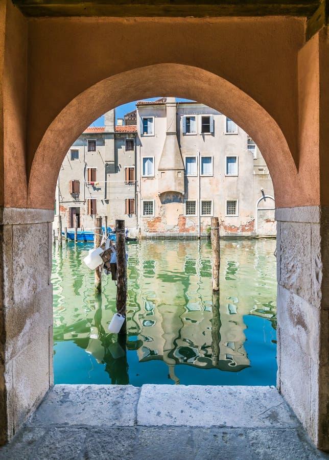 Αναλαμπή Chioggia από τα arcades στοκ φωτογραφίες