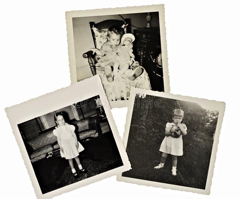 Αναδρομικές φωτογραφίες λευκώματος αποκομμάτων του κοριτσιού στοκ φωτογραφία
