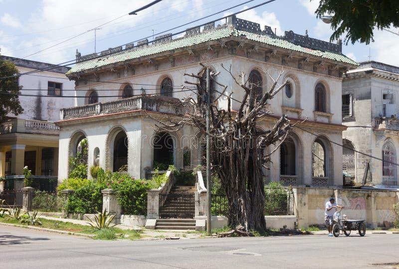 Αναδρομική άσπρη βίλα στην Κούβα στοκ φωτογραφίες