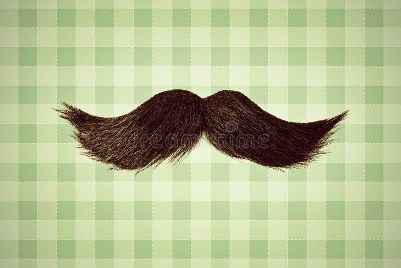 Αναδρομική ορισμένη εικόνα ενός moustache μπροστά από την πράσινη ταπετσαρία ελεύθερη απεικόνιση δικαιώματος