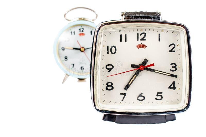 Αναδρομικό ξυπνητήρι που απομονώνεται στο άσπρο υπόβαθρο στοκ εικόνες με δικαίωμα ελεύθερης χρήσης