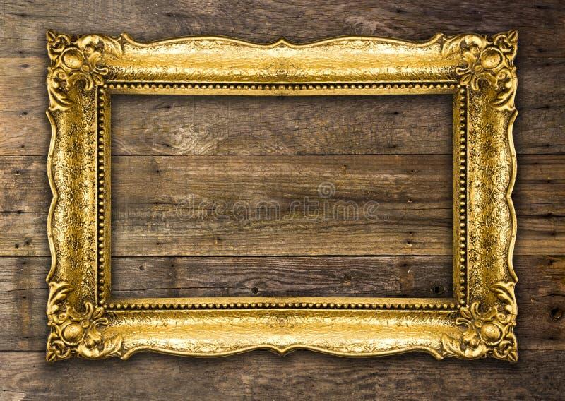 Αναδρομικό πλαίσιο εικόνων αναγέννησης παλαιό χρυσό στοκ εικόνα