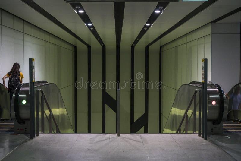 Ανελκυστήρας στο MRT Rochor σταθμό στη Σιγκαπούρη στοκ εικόνες με δικαίωμα ελεύθερης χρήσης