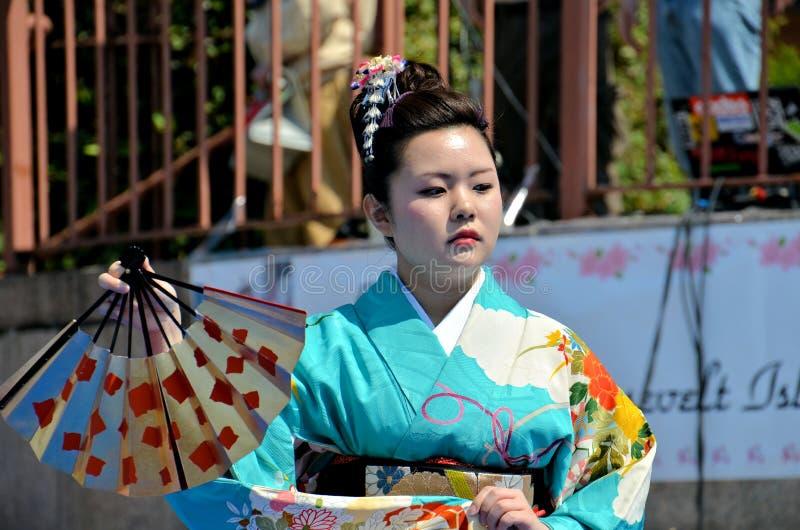 ανεμιστήρας ιαπωνικά χορευτών στοκ φωτογραφίες με δικαίωμα ελεύθερης χρήσης