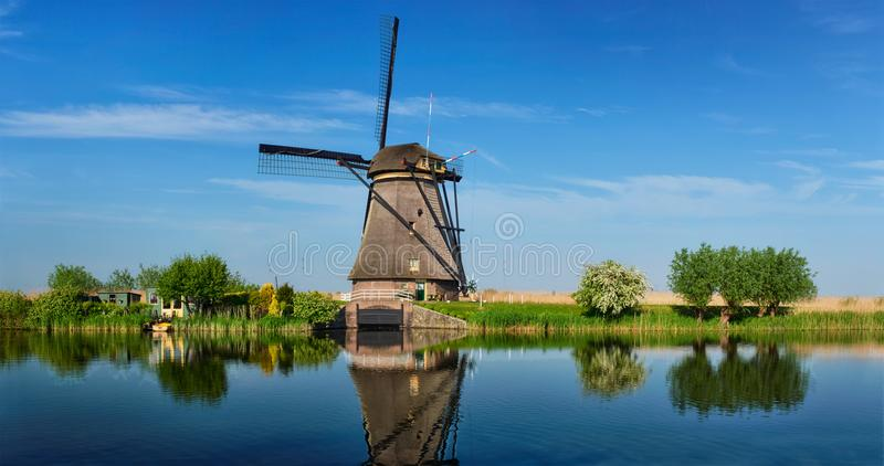 Ανεμόμυλοι σε Kinderdijk στην Ολλανδία netherlands στοκ φωτογραφία με δικαίωμα ελεύθερης χρήσης