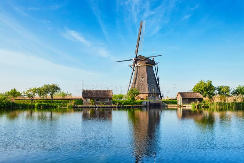 Ανεμόμυλοι σε Kinderdijk στην Ολλανδία netherlands στοκ φωτογραφία