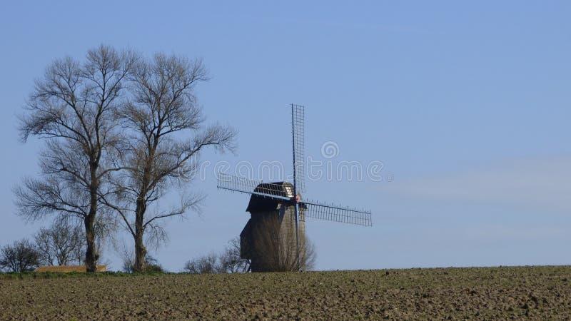 Ανεμόμυλος στο pitgam, Γαλλία στοκ φωτογραφία με δικαίωμα ελεύθερης χρήσης