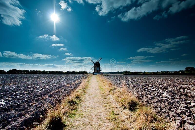 Ανεμόμυλος Piststone στην καρακάξα Buckinghamshire Ηνωμένο Βασίλειο Ivinghoe Leighton στοκ εικόνα με δικαίωμα ελεύθερης χρήσης