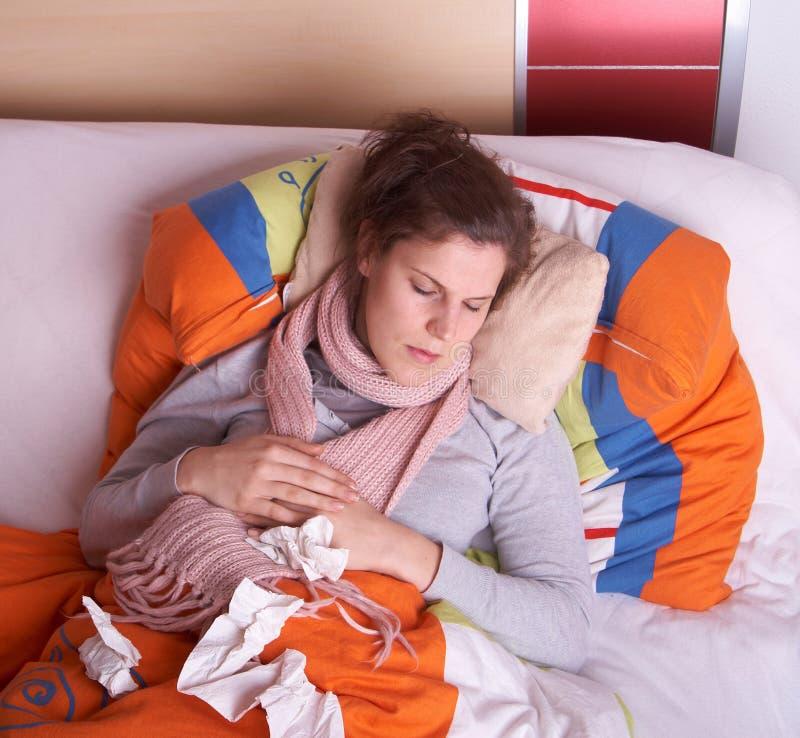 ανεπαρκής ύπνος ομορφιάς στοκ εικόνα με δικαίωμα ελεύθερης χρήσης