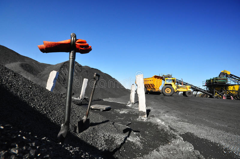 Ανεφοδιασμός άνθρακα στοκ φωτογραφία με δικαίωμα ελεύθερης χρήσης