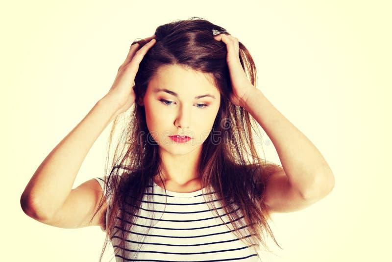 Ανησυχημένος θηλυκός έφηβος στοκ φωτογραφία