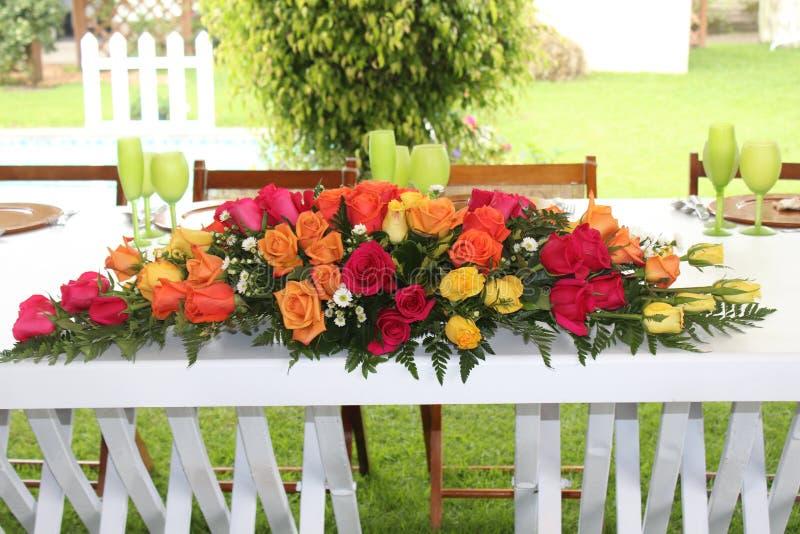 Ανθοδέσμη λουλουδιών με το γάμο τριαντάφυλλων στοκ φωτογραφίες