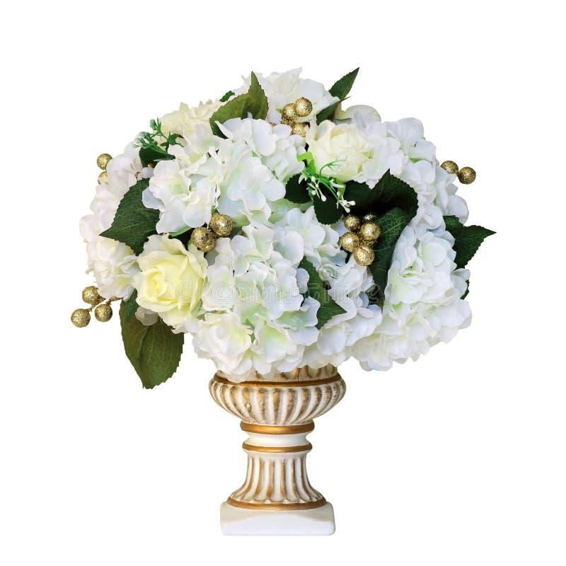 Ανθοδέσμη των τεχνητών λουλουδιών στο άσπρο υπόβαθρο στοκ φωτογραφία