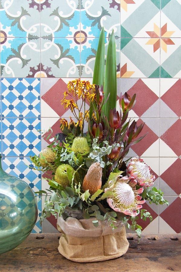 Ανθοδέσμη των όμορφων λουλουδιών θάμνων στοκ εικόνα με δικαίωμα ελεύθερης χρήσης