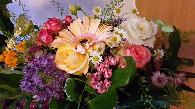 Ανθοδέσμη των λουλουδιών στοκ εικόνα με δικαίωμα ελεύθερης χρήσης