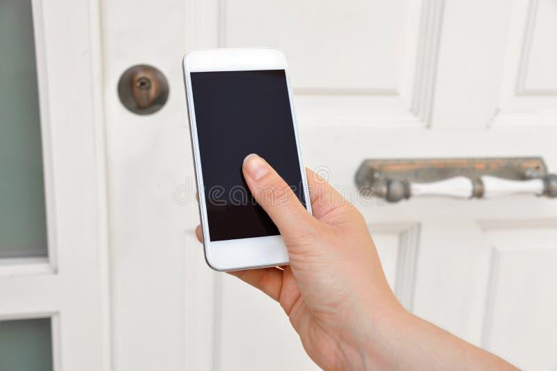 Ανοίξτε την εγχώρια πόρτα στοκ εικόνα με δικαίωμα ελεύθερης χρήσης