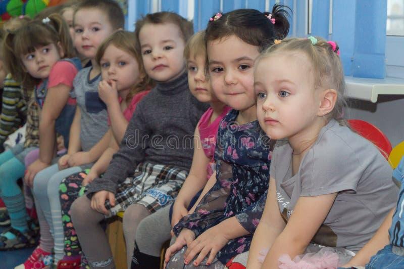 Ανοικτή ημέρα στον παιδικό σταθμό της περιοχής Kaluga της Ρωσίας στοκ εικόνες