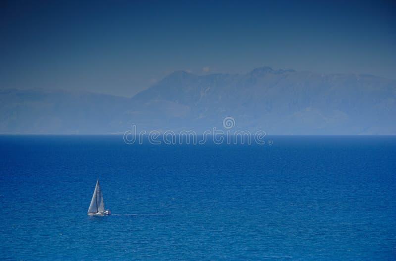 ανοικτή πλέοντας θάλασσ&alpha στοκ φωτογραφία