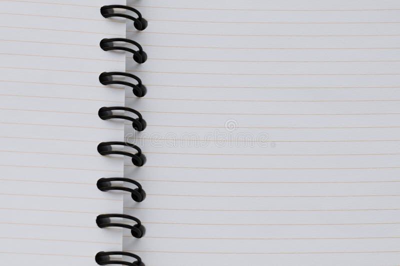 Ανοικτό ευθυγραμμισμένο κενό σημειωματάριο για τη σκιαγράφηση, σχεδιασμός στοκ φωτογραφία με δικαίωμα ελεύθερης χρήσης
